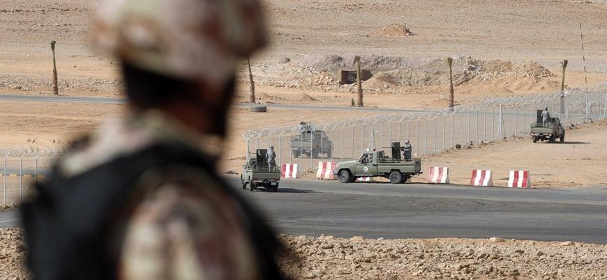 Yemen'de El Kaide BAE destekli askeri üsse saldırı düzenledi: En az 20 ölü