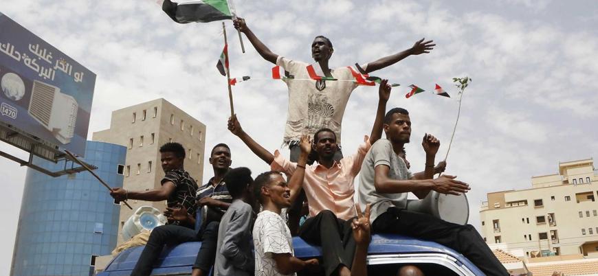 Sudan'da ordu ve muhalefet 'yeni anayasa' üzerinde uzlaştı