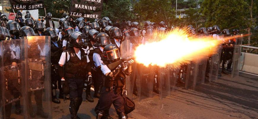 Hong Kong'da polis şiddetini araştıracak heyet istifa etti
