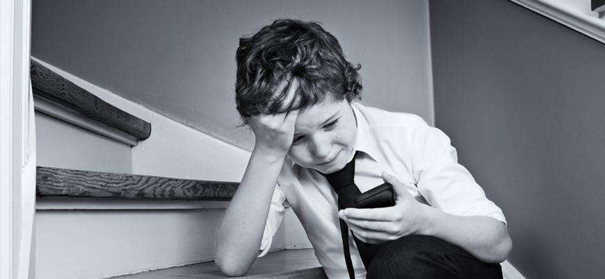 """Gençler sosyal medya yüzünden """"siber zulme"""" uğruyor"""