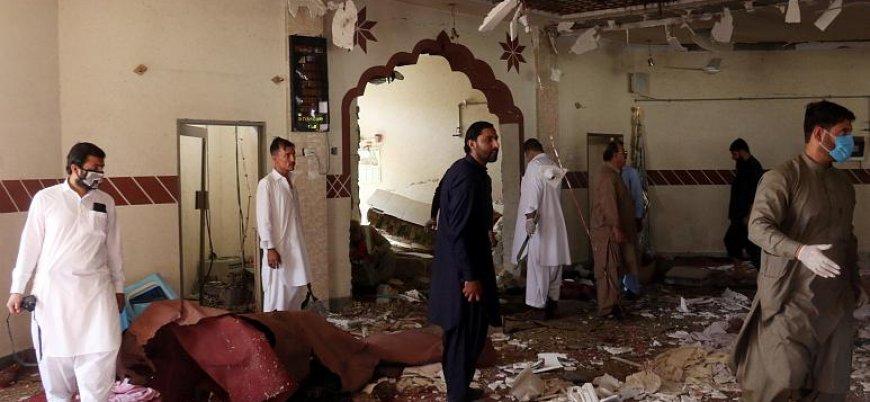 Pakistan'da camiye düzenlenen bombalı saldırıda Taliban liderinin kardeşi hayatını kaybetti