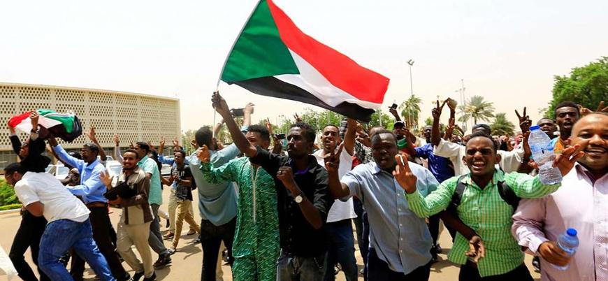 'Sudan'da yönetim krizi sona erdi': Anayasal Bildiri anlaşması imzalandı