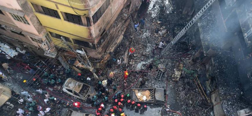 Bangladeş'teki gecekondu mahallesinde 15 bin ev kül oldu