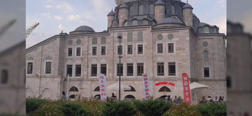 Tarihi Sokullu Mehmet Paşa Camii'nin mahzenleri 'cafe'ye çevrildi