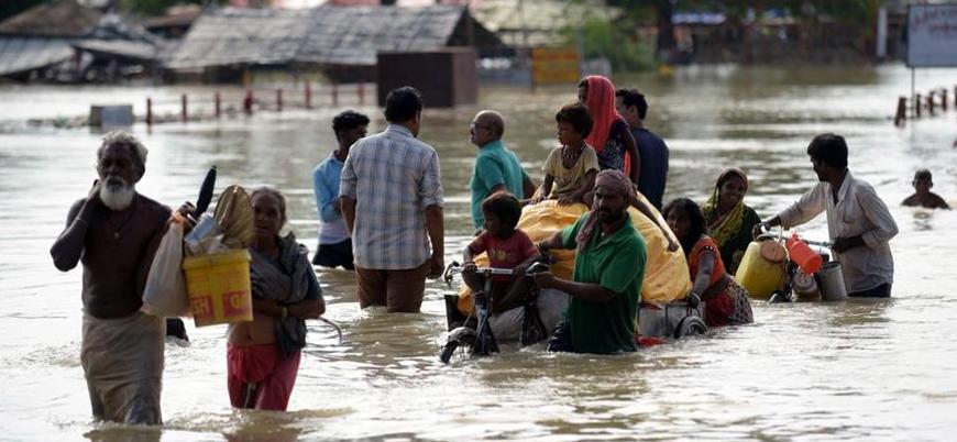 Hindistan'da şiddetli yağış: En az 350 ölü