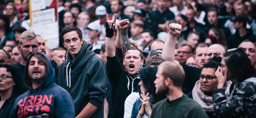 Almanya'da aşırı sağcılar 'göçmen avına' çıktı