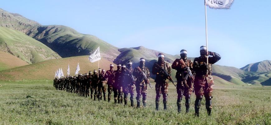 Taliban Afganistan'da bir günde iki ilçeyi ele geçirdi