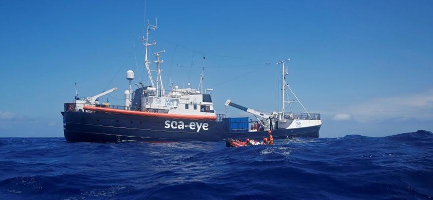 Terk edilen sığınmacı gemisinde bir çocuk intihar girişiminde bulundu