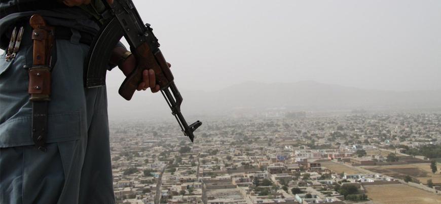 Taliban Afganistan'da bir haftada 9 ilçe merkezini ele geçirdi