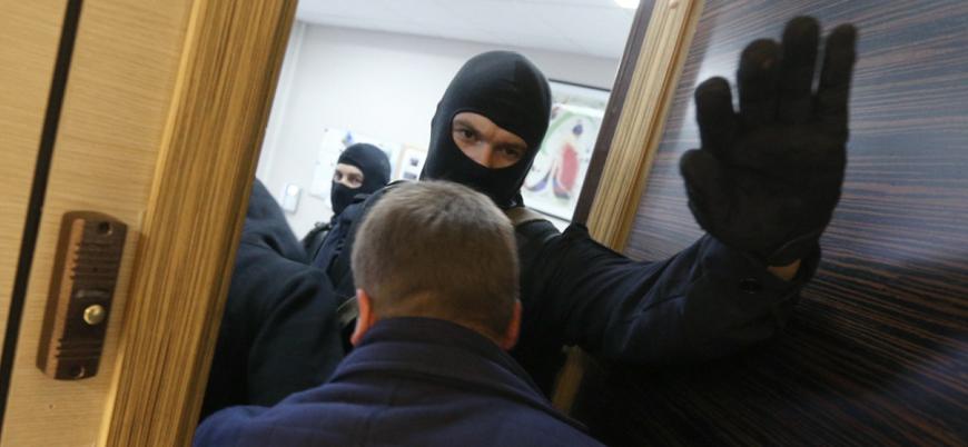 Rusya'da Putin muhaliflerine 40 kentte polis baskını