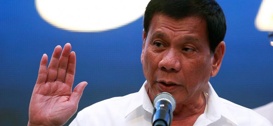 Filipinler Devlet Başkanı Duterte: Rüşvet isteyen memurları vurun ama öldürmeyin