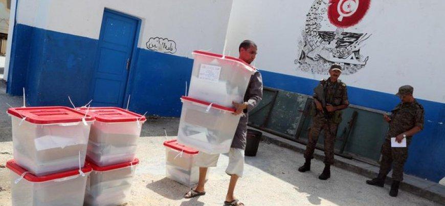 Tunus'taki cumhurbaşkanlığı seçimlerinde oy verme işlemi başladı