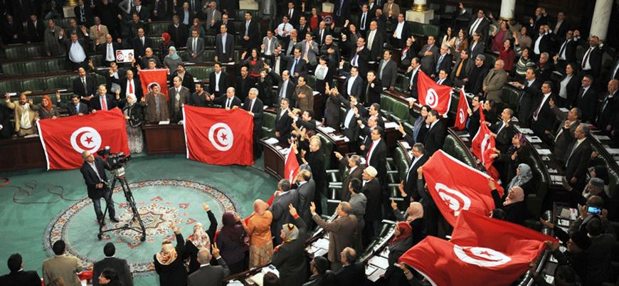Tunus'ta cumhurbaşkanlığı seçimleri ikinci tura gidiyor