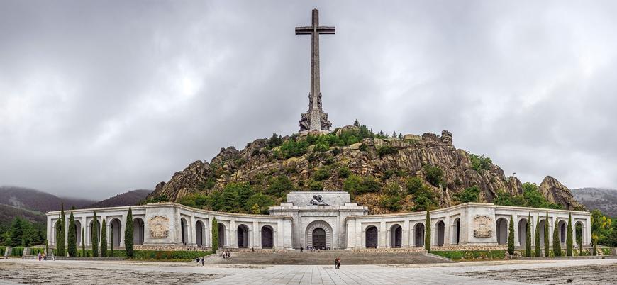 'Demokrasi için zafer': İspanya diktatörü Franco'nun kalıntıları anıt mezardan taşınıyor