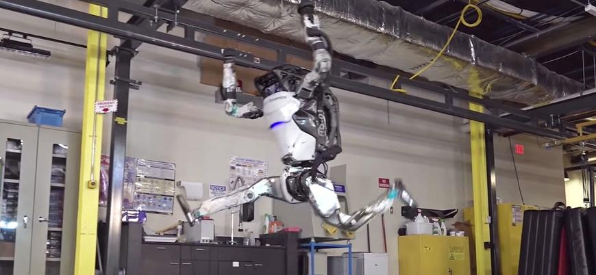Boston Dynamics'in 'insandan daha başarılı' Atlas robotu