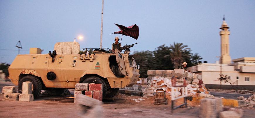 IŞİD Sina Yarımadası'nda Mısır ordusuna saldırdı