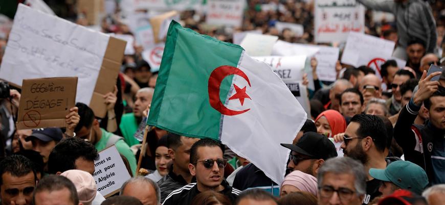 Cezayir'de ordu seçimlerde aday çıkarmayacak