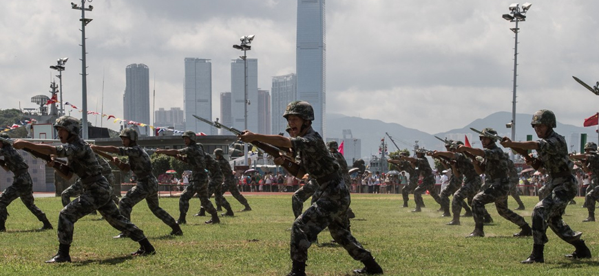 """""""Çin Hong Kong'daki askeri varlığını ikiye katladı"""""""