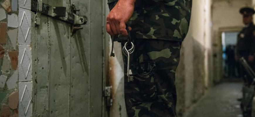 İki Suriye polisinin 'muhaliflere işkence' davası Almanya'da başladı