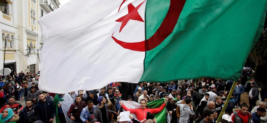 Cezayir'de İslamcılar 90'lar dosyasını yeniden açıyor