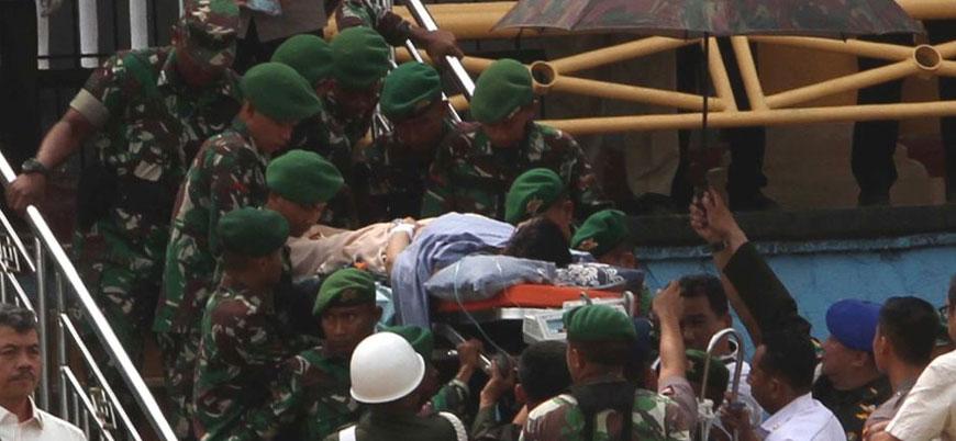 Endonezya Güvenlik Bakanı'na bıçaklı saldırı