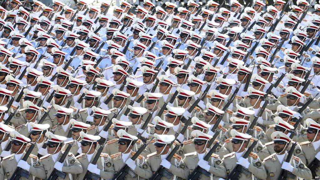 İran askeri öğrencilerini Suriye'ye gönderiyor