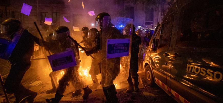 Katalan protestolarında gerilim yükseliyor: 74 yaralı