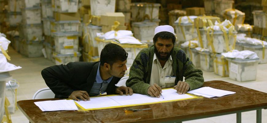 Afganistan'da seçim bilmecesi: Sonuçların açıklanması bir hafta ertelendi