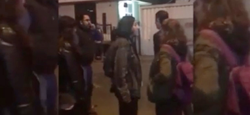 Feminist 'Kadın Kolektifi' üyeleri Akit TV binasını bastı