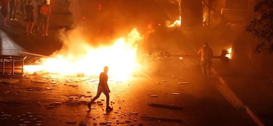 WhatsApp'a vergi koyma kararı sonrası Lübnan'da sokaklar karıştı