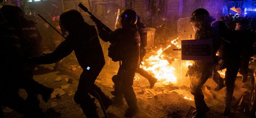 Protestolar nedeniyle karışan İspanya'da Katalanlardan müzakere çağrısı