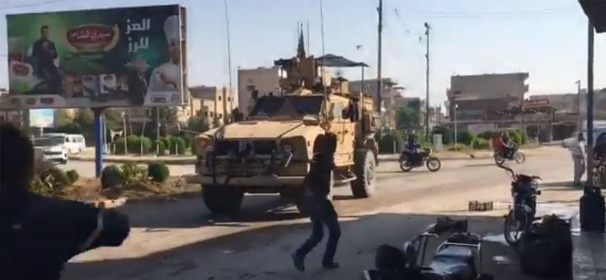 YPG kontrolündeki Kamışlı'da halk Suriye'den çekilen ABD askerlerini taşladı