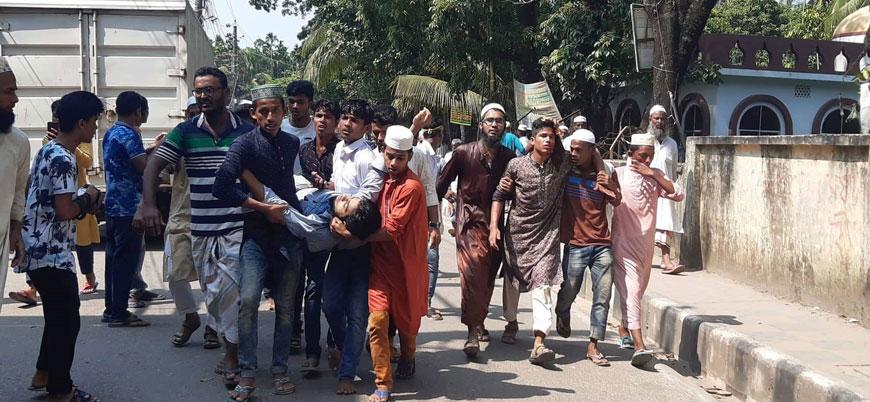 Bangladeş'te 'İslam'a hakaret' halkı sokağa döktü: 4 ölü