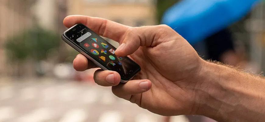 Dünyanın en küçük akıllı telefonu Palm Türkiye'de satışta