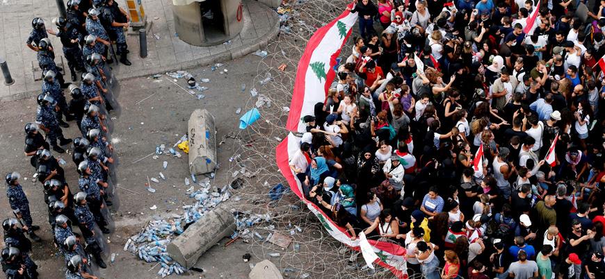 Lübnan'da protestolar 10'uncu gününde: Göstericiler ana yolları trafiğe kapattı