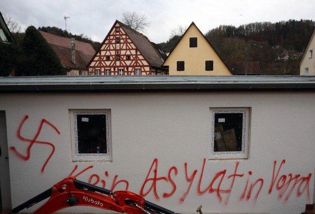 Mültecilere 3 bin 500'den fazla 'faşist' saldırı