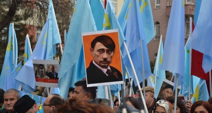 Tatarlar Kırım'ın işgalini protesto etti