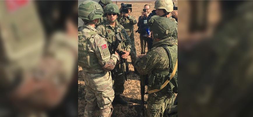 Türk ve Rus askerleri Fırat'ın doğusundaki ilk ortak kara devriyesine başladı