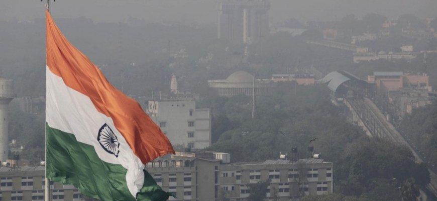 'Dev bir gaz odası': Hindistan'da okullar tatil edildi, milyonlarca gaz maskesi dağıtıldı