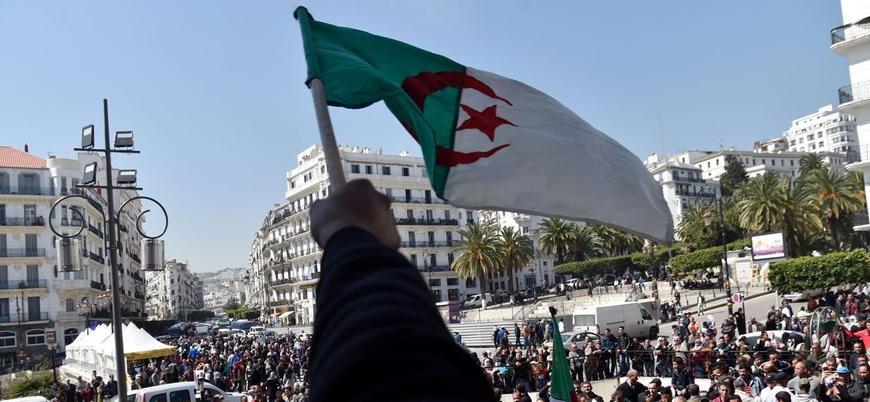 Cezayir'de cumhurbaşkanlığı adayları belli oldu