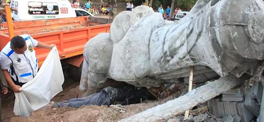 Taylandlı dini lider 'şans getiren' Buda heykelinin altında kalarak öldü