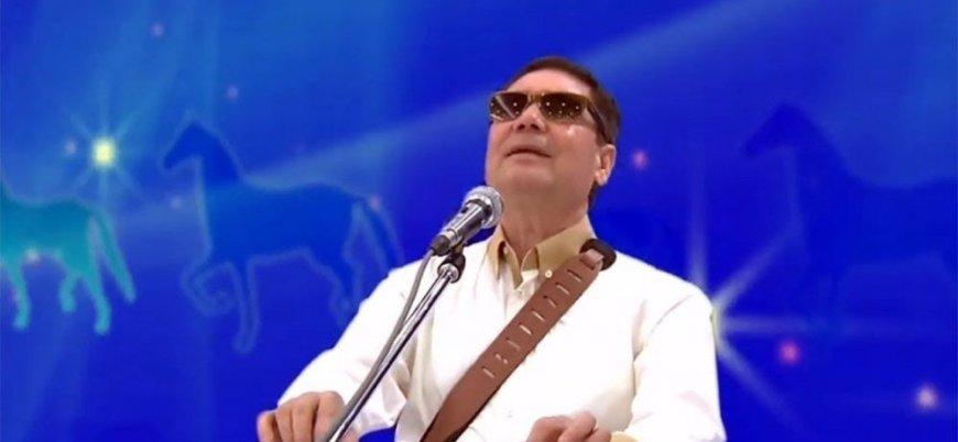 Türkmenistan Devlet Başkanı Berdimuhamedov 'vatanseverlik ödülü'nü oğluna verdi