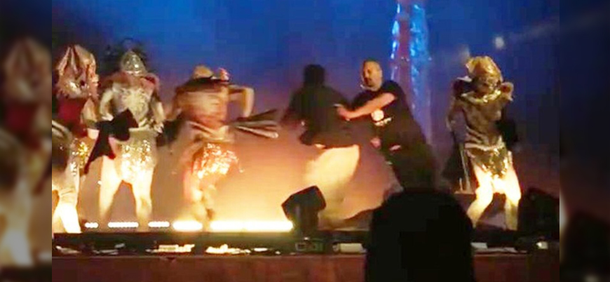 Suudi Arabistan'da tiyatroculara bıçaklı saldırı