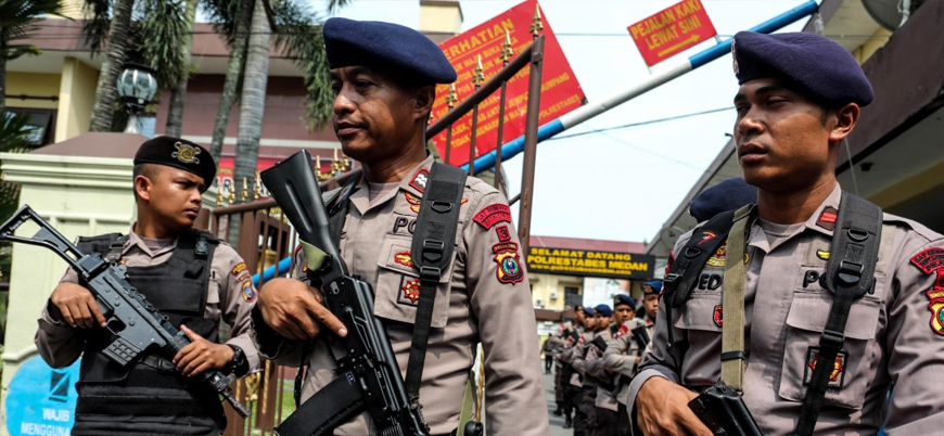 Endonezya'da IŞİD ile polis arasında çatışma: 2 ölü