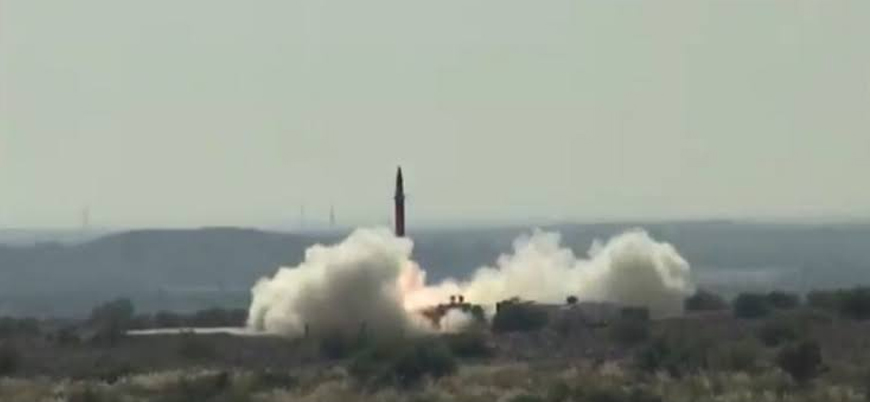 Pakistan 650 kilometre menzilli Şahin-1 balistik füzesini denedi