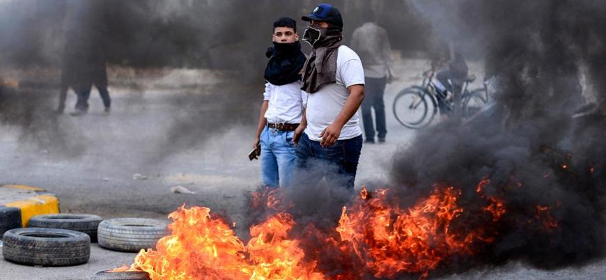 İran protestolarında 3 güvenlik görevlisi göstericiler tarafından öldürüldü