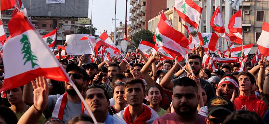 Lübnan'da öfke dinmiyor: Göstericiler meclis çevresinde toplandı