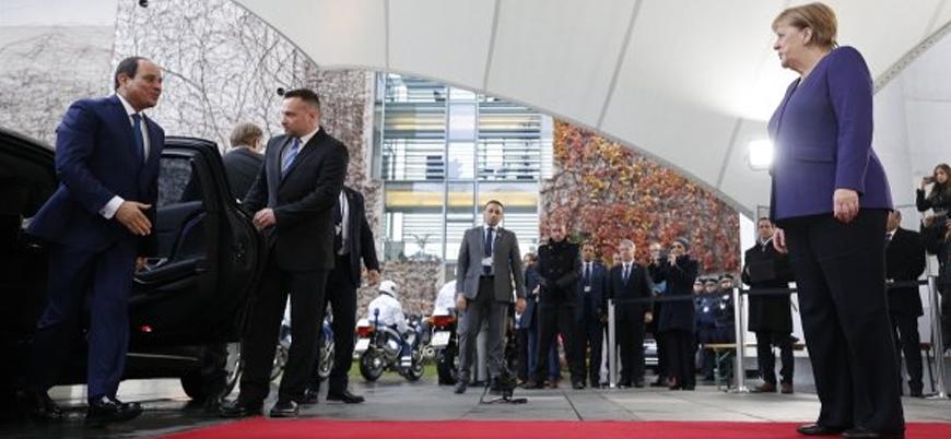 Almanya darbeyle başa gelen Sisi'yi kırmızı halı ile karşıladı