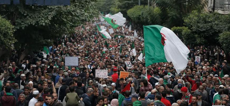Cezayir protestolarında 80'i aşkın kişi gözaltına alındı