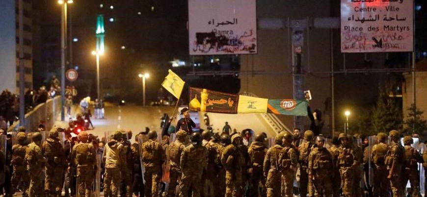 Lübnan'da Hizbullah yanlıları göstericilere saldırdı